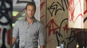 Hawaii Five-0 - Während Steve und Catherine eine romantische Halloween-Nacht zu kreieren versuchen, kämpft Danny (Scott Caan) weiterhin um Grace ... © 2012 CBS Broadcasting, Inc. All Rights Reserved.