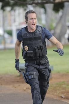 Hawaii Five-0 - Ermittelt in einem neuen Fall: Steve (Alex O'Loughlin) ... © TM &   CBS Studios Inc. All Rights Reserved.