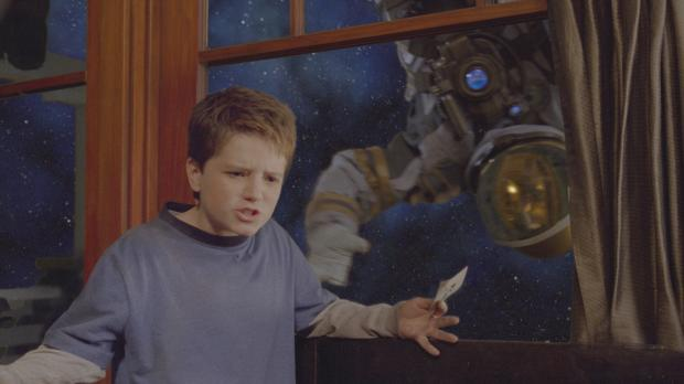 Zathura - Ein Abenteuer im Weltraum - Walter (Josh Hutcherson, l.) traut sein...