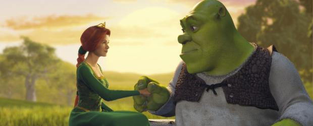 Shrek - Der tollkhne Held - Schon bald wird Shrek (r.) und Fiona (l.) klar, dass sie vieles gemeinsam haben, trotz ihres grundverschiedenen Aussehens ...  TM &amp;   2001 DreamWorks L.L.C.