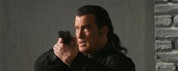 Seine Gegner haben nicht damit gerechnet, dass er sich nicht kampflos geschlagen gibt: Marshall Lawson (Steven Seagal) ... © Sony Pictures Home Entertainment