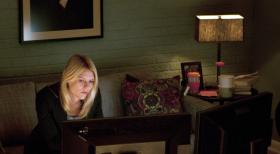 Homeland - Auch wenn es sie den Job kosten sollte, Carrie (Claire Danes) versucht alles, um belastende Beweise gegen Sergeant Brody zu finden ...  2011 Twentieth Century Fox Film Corporation. All rights reserved.