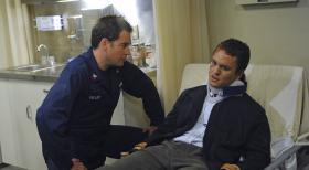 Navy CIS - Auftrag in Neapel: DiNozzo (Michael Weatherly, l.) und Andre Fullerton (James Harvey Ward, r.) ... © 2012 CBS Broadcasting Inc. All Rights Reserved.