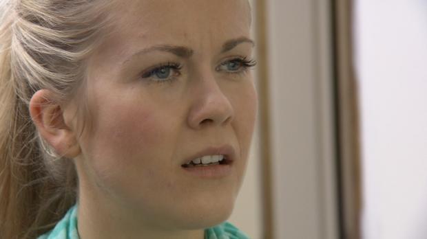 Hotelfachfrau Eva wird seit Jahren von ihrer Stiefmutter Beate schikaniert. D...