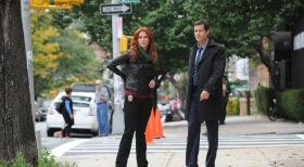 Unforgettable - Ermitteln in einem neuen Mordfall: Carrie (Poppy Montgomery, l.) und Al (Dylan Walsh, r.) ... © 2011 CBS Broadcasting Inc. All Rights Reserved.