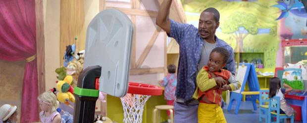 Der Kindergarten Daddy - Bei Charlie (Eddie Murphy, vorne l.) dürfen die Kinder, Kinder sein ... © 2004 Sony Pictures Television International. All Rights Reserved.