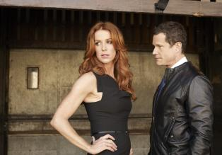 (1. Staffel) - Gemeinsam versuchen Detective Carrie Wells (Poppy Montgomery, l.) und Detective Al Burns (Dylan Walsh, r.), Verbrechen das Handwerk zu legen ... © Sony Pictures Television Inc. All Rights Reserved.