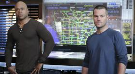 Navy CIS: L.A. - Ermitteln in einem neuen Fall: Callen (Chris O'Donnell, r.) und Sam (LL Cool J, l.) ... © CBS Studios Inc. All Rights Reserved.