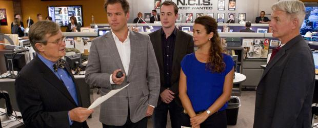 Ein neuer Fall wartet auf das Team: Ducky (David McCallum, l.), Tony (Michael Weatherly, 2.v.l.), McGee (Sean Murray, M.), Ziva (Cote de Pablo, 2.v.r.) und Gibbs (Mark Harmon, r.) ... © CBS Television