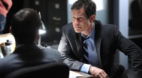 Unforgettable - Werden Al (Dylan Walsh, r.) und Carrie einen Serienkiller stellen können? © 2011 CBS Broadcasting Inc. All Rights Reserved.