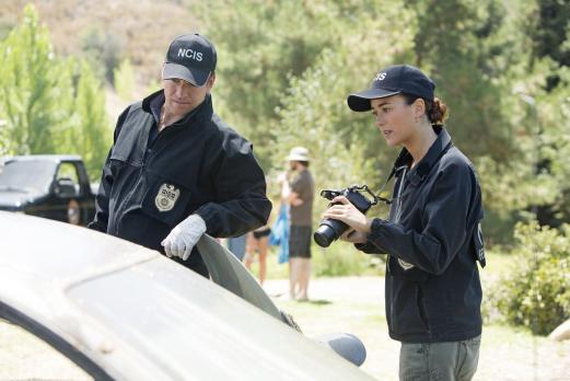 Navy CIS - Ein neuer Fall beschäftigt Ziva (Cote de Pablo, r.) und Tony (Mich...
