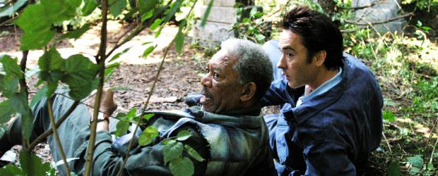 The Contract - Auf der Flucht: Ray (John Cusack, r.) und Carden (Morgan Freeman, l.) ... © Millennium Films
