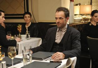 Elementary - Ermittelt in einem neuen Fall: Sherlock Holmes (Jonny Lee Miller) ...  CBS Television