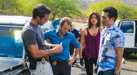 Hawaii Five-0 - Ein neuer Fall wartet auf Steve (Alex O'Loughlin, l.),  Danny (Scott Caan, 2.v.l.), Chin (Daniel Dae Kim, r.) und Kono (Grace Park, 2.v.r.) ... © 2012 CBS Broadcasting, Inc. All Rights Reserved.