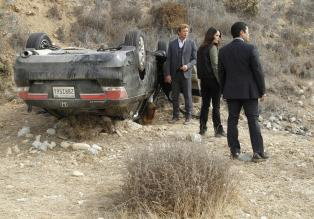 The Mentalist - Ermitteln in einem neuen Fall: Patrick (Simon Baker, l.), Teresa (Robin Tunney, M.) und Kimball (Tim Kang, r.) ...  Warner Bros. Television