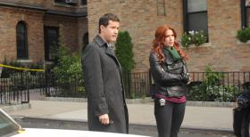Unforgettable - Suchen in ihrem neuen Fall nach dem Mörder eines Strafverteidigers: Carrie (Poppy Montgomery, r.) und Al (Dylan Walsh, l.) ... © 2011 CBS Broadcasting Inc. All Rights Reserved.