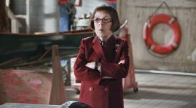 Navy CIS: L.A. - Glaubt sie an Kensis Unschuld? Hetty (Linda Hunt) ... © CBS Studios Inc. All Rights Reserved.