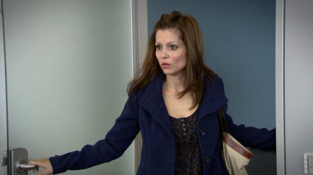 Nina ist schockiert über das, was sie da sehen muss ... © SAT.1
