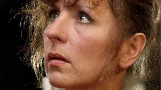 Acht Jahre nach dem Unfalltod ihres Mannes ist die 46-jährige Christa Lange w...