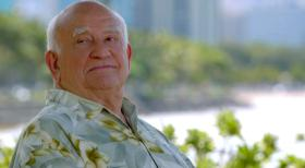 Hawaii Five-0 - Nach einem tödlich geendeten Kunstraub sucht das Five-O-Team die Unterstützung von August March (Edward Asner) ... © 2012 CBS Broadcasting, Inc. All Rights Reserved.