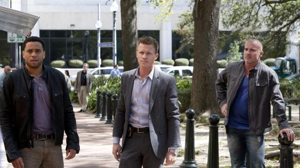 Common Law - Bei den Ermittlungen in einem neuen Fall, stoßen Travis (Michael...