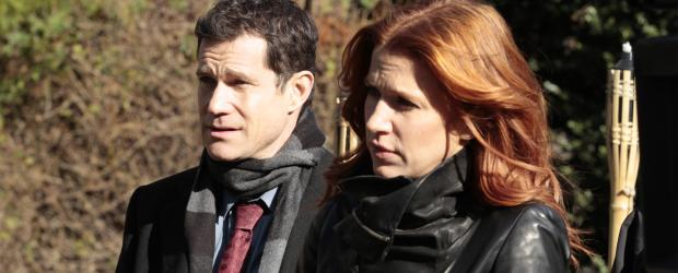 Werden zu einem neuen Fall gerufen: Carrie (Poppy Montgomery, r.) und Al (Dylan Walsh, l.) ...  2011 CBS Broadcasting Inc. All Rights Reserved.