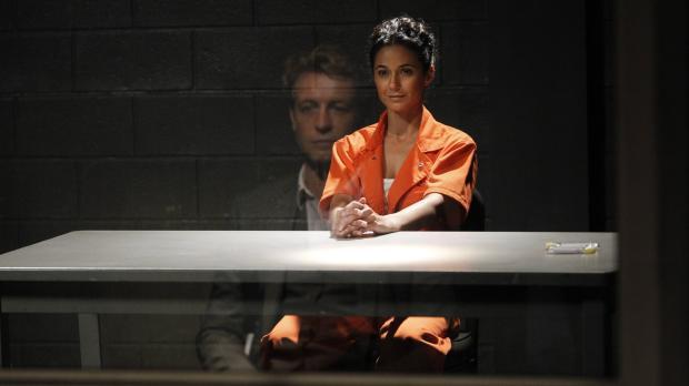 Während Patrick (Simon Baker, l.) versucht, die Verbindung zwischen Lorelei (...