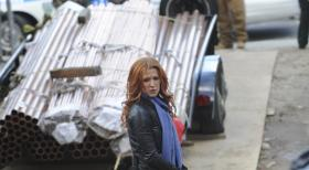 Unforgettable - Bei den Ermittlungen in einem neuen Mordfall: Carrie (Poppy Montgomery) ... © 2011 CBS Broadcasting Inc. All Rights Reserved.