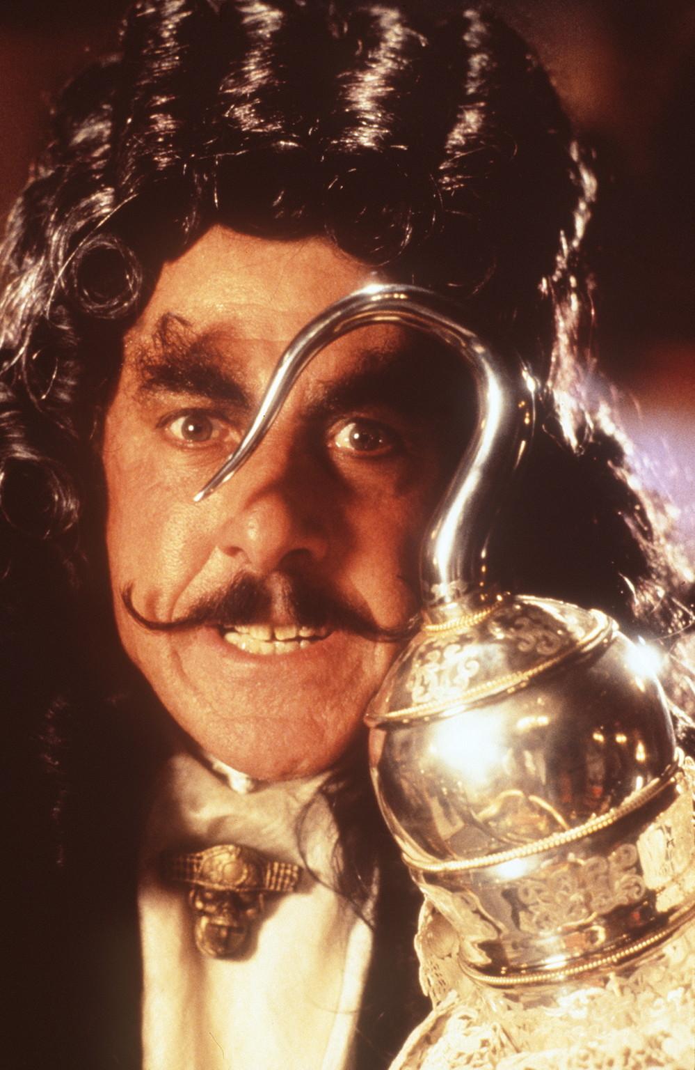 Captain Hook (Dustin Hoffman) hat nur noch einen Gedanken: Peter Pan endgültig den Garaus zu machen . - bce402043434f4a699f548873854f231-original