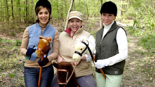 Die drei Reiterinnen (v.l.n.r.: Judith Döker, Mackie Heilmann, Sabine Menne)...