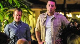 Hawaii Five-0 - Ein neuer Fall wartet auf Steve (Alex O'Loughlin, r.) und Danny (Scott Caan, l.) ... © 2013 CBS BROADCASTING INC. All Rights Reserved.