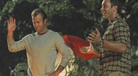 Hawaii Five-0 - Ein Campingausflug der Aloha Girls gerät für Steve (Alex O'Loughlin, r.) und Danny (Scott Caan, l.) zu einem Höllentrip ... © 2012 CBS Broadcasting, Inc. All Rights Reserved.