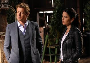 The Mentalist - Der Tod des jungen Botanikers und Cannabis-Forscher Jeremy Reese fhrt Patrick (Simon Baker, l.) und Teresa (Robin Tunney, r.) in die lukrative Welt des medizinischen Marihuana-Anbaus ...  Warner Bros. Television